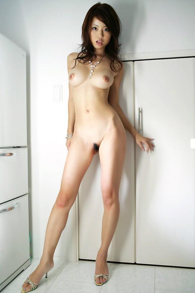 【おっぱい】わがままボディ!スレンダーな巨乳美女の裸体が完璧すぎる【30枚】 12