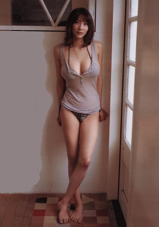 【おっぱい】わがままボディ!スレンダーな巨乳美女の裸体が完璧すぎる【30枚】 25