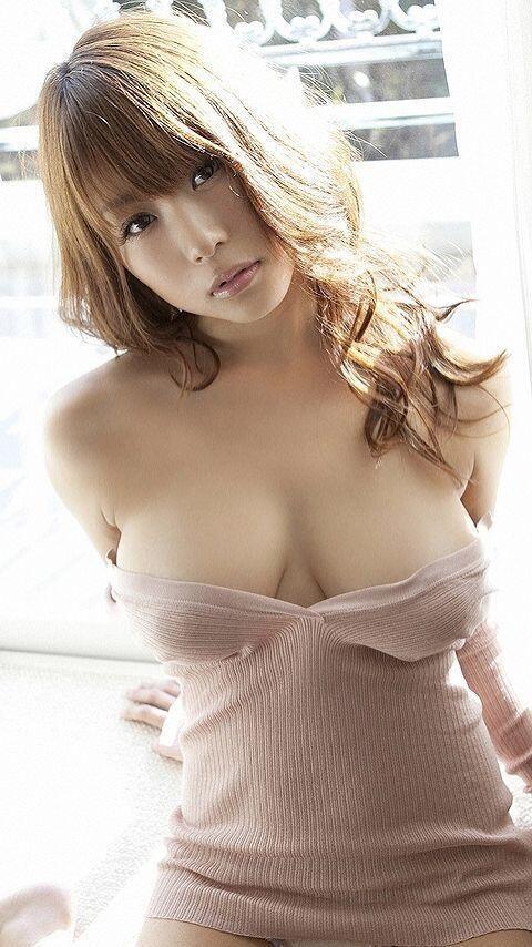 【おっぱい】茶髪が印象的なお姉さんのエロ画像!【30枚】 24