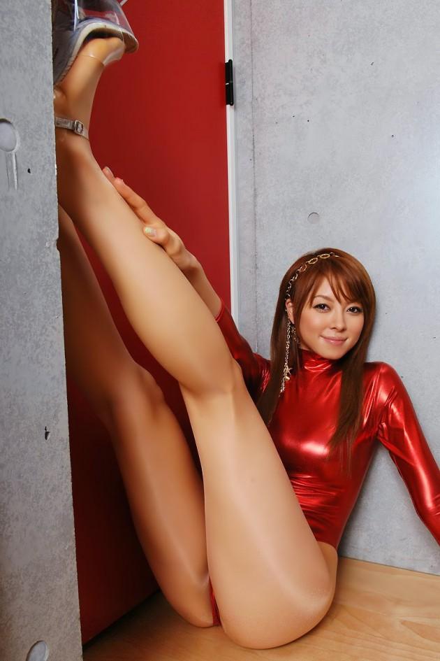【おっぱい】レオタード姿やバレエを楽しんでいるのお姉さんのエロ画像!【30枚】 25