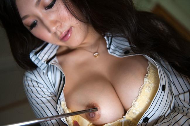 【おっぱい】スケベな女教師がねっとり誘惑してくるエロ画像!【30枚】 28