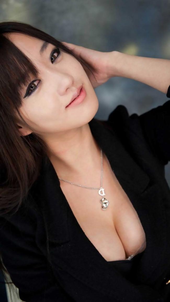 【おっぱい】バインバインの着衣巨乳がエロすぎるお姉さんのエロ画像!【30枚】 17