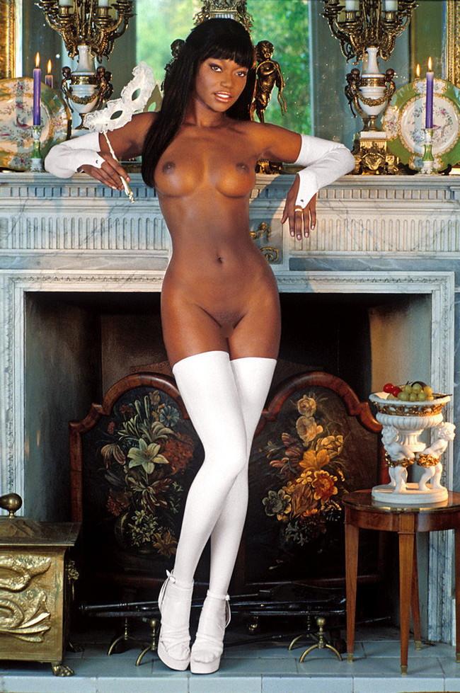 【おっぱい】黒人女性の肉体にどうしても興奮しちゃうエロ画像!【30枚】 22