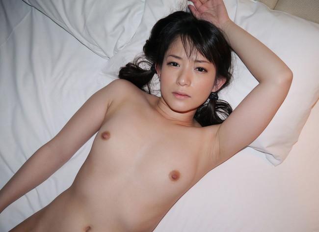 【おっぱい】ぺったんこな貧乳女子のエロ画像!【30枚】 12