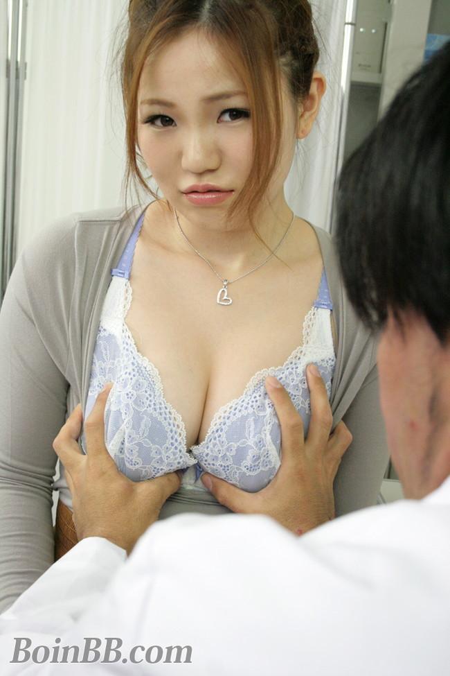 【おっぱい】色白のおっぱいが素晴らしいお姉さんのエロ画像!【30枚】 22
