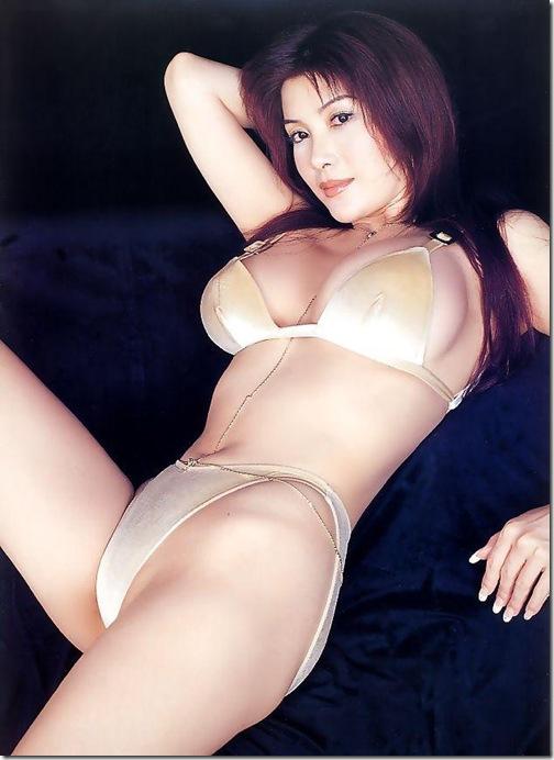 【おっぱい】完璧過ぎる肉体がヤバ過ぎる叶姉妹のエロ画像!【30枚】 04