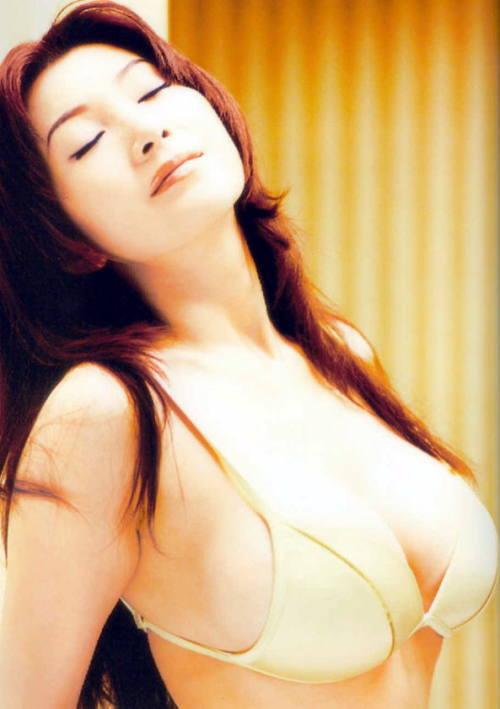 【おっぱい】完璧過ぎる肉体がヤバ過ぎる叶姉妹のエロ画像!【30枚】 06