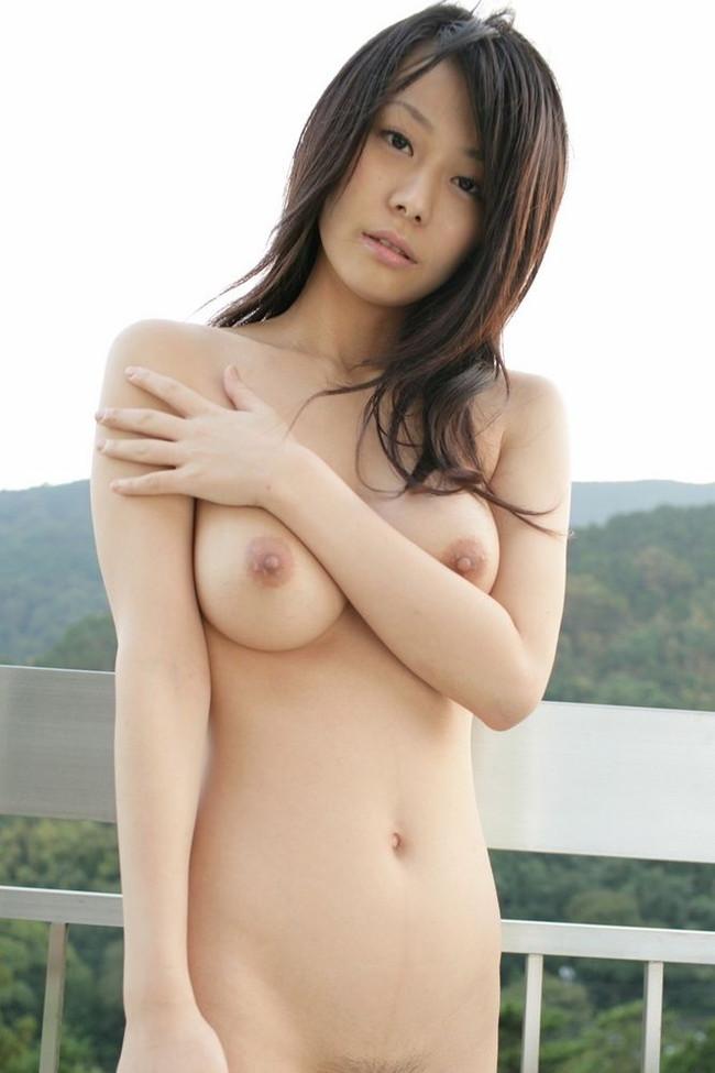 【おっぱい】巨乳美女が一糸まとわぬ姿になってるエロ画像!【30枚】 03