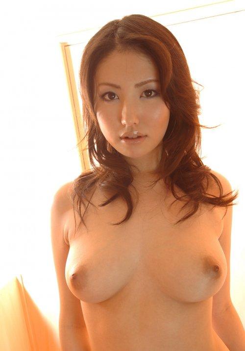 【おっぱい】巨乳美女が一糸まとわぬ姿になってるエロ画像!【30枚】 20
