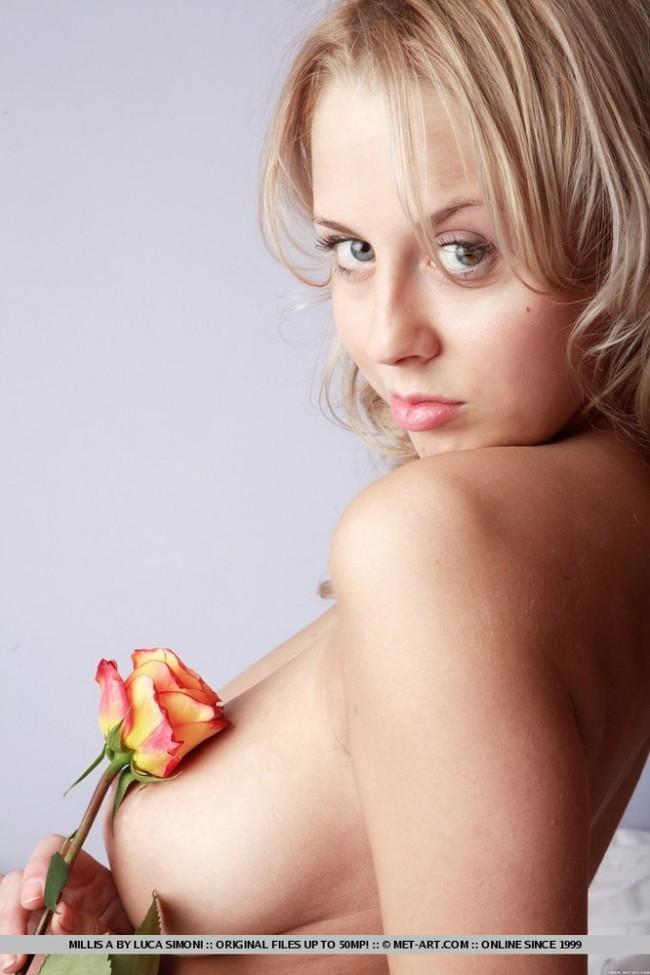 【おっぱい】巨乳美女が一糸まとわぬ姿になってるエロ画像!【30枚】 29
