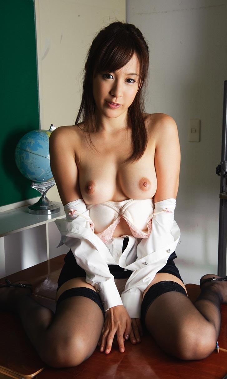 巨乳女教師 AV