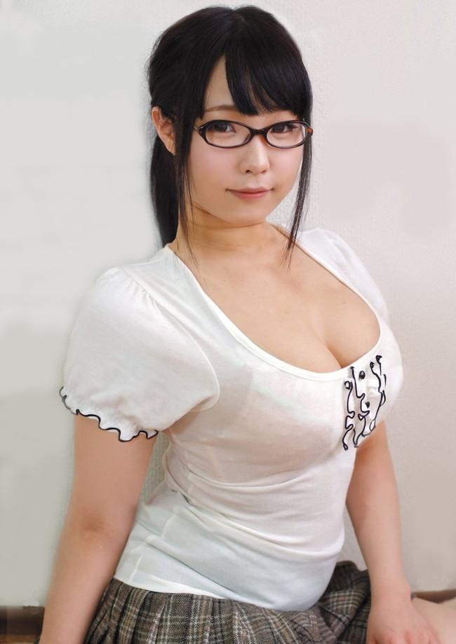 【おっぱい】色白で巨乳なむっちりおっぱいがたまらないエロ画像!【30枚】 18