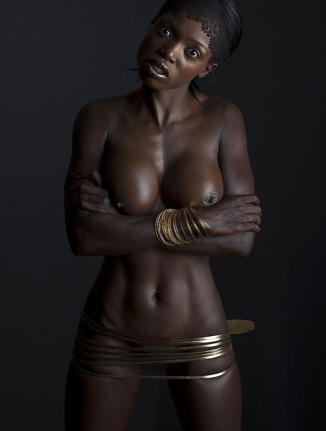 【おっぱい】黒人女性のチョコレートボディにそそられてしまうエロ画像!【30枚】 06