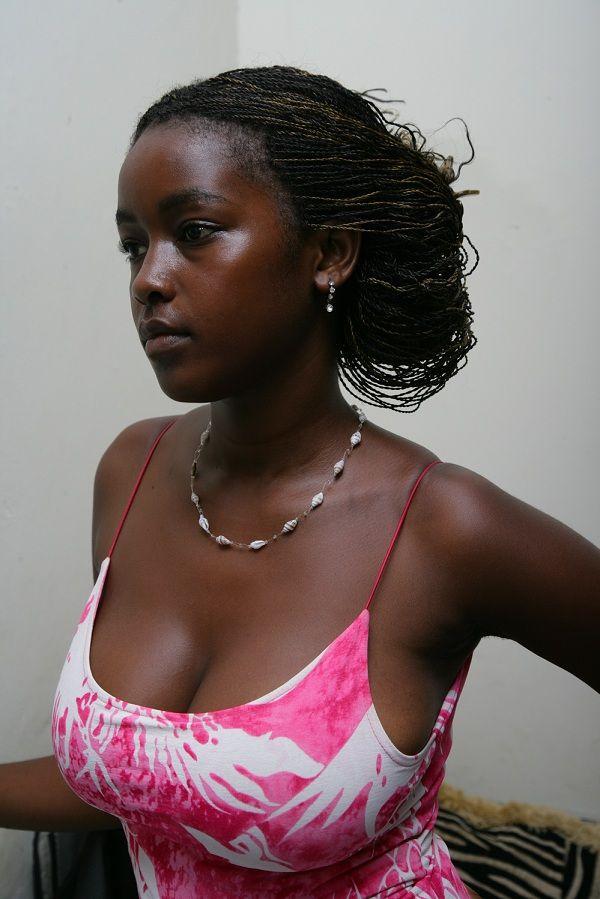 【おっぱい】黒人女性のチョコレートボディにそそられてしまうエロ画像!【30枚】 16