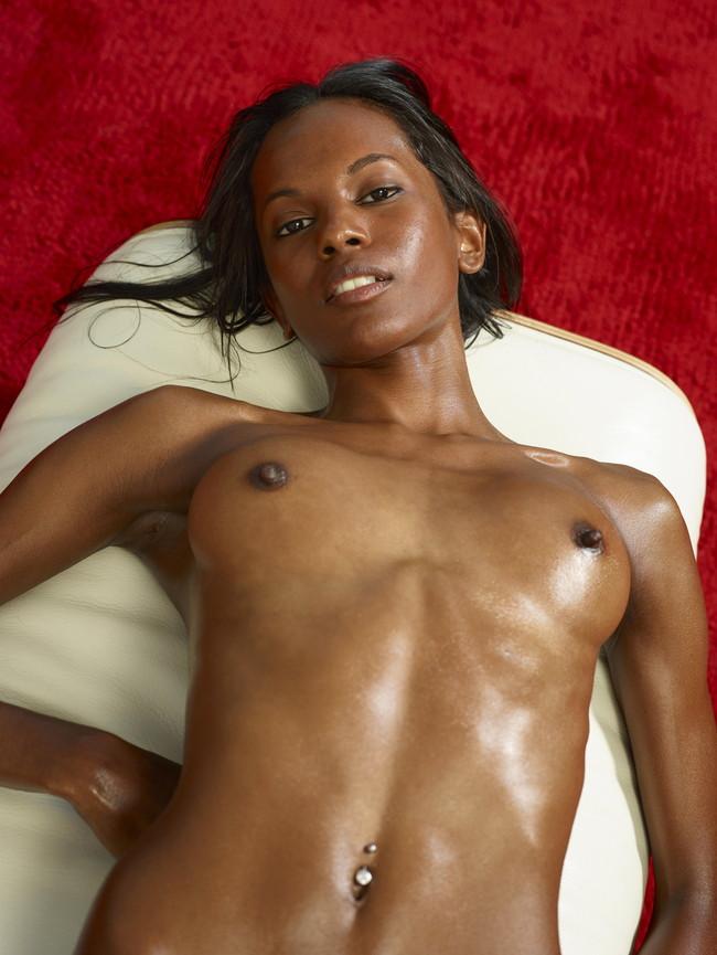 【おっぱい】黒人女性のチョコレートボディにそそられてしまうエロ画像!【30枚】 27