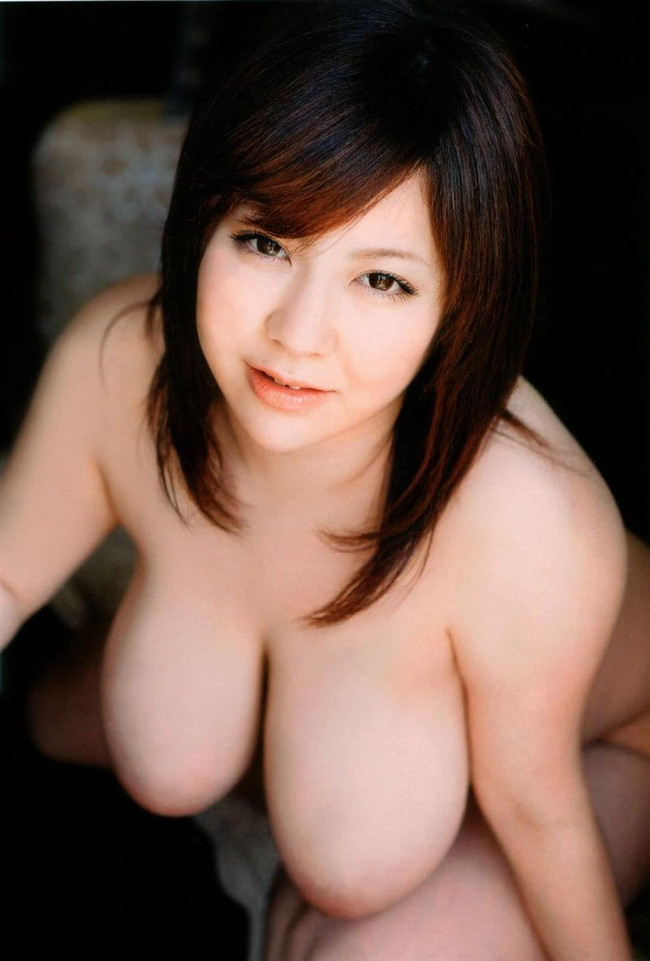 【おっぱい】ぶらんと垂れてしまったお姉さんのおっぱいのエロ画像!【30枚】 11