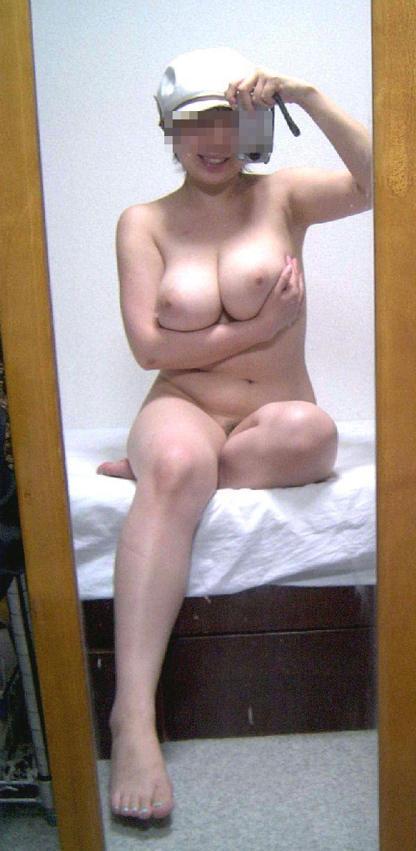 【おっぱい】爆乳美女がご自慢のおっぱいを自画撮りしてくれたエロ画像!【30枚】 28