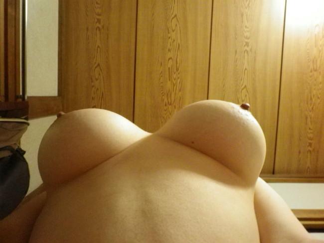 【おっぱい】爆乳美女がご自慢のおっぱいを自画撮りしてくれたエロ画像!【30枚】 29