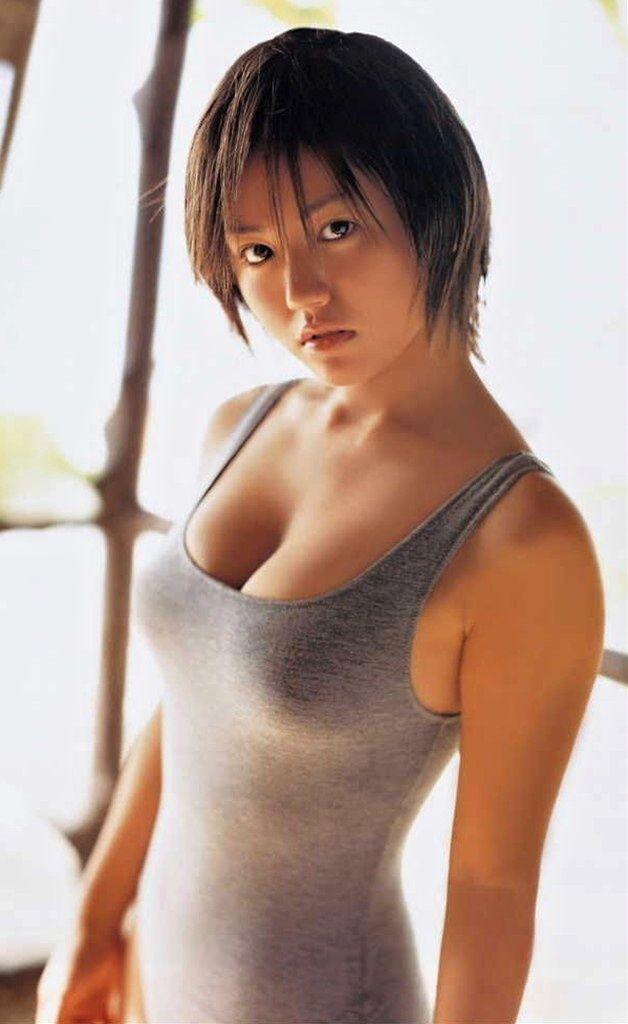 【おっぱい】巨乳が強調されているタンクトップを着用したお姉さんのエロ画像!【30枚】 23