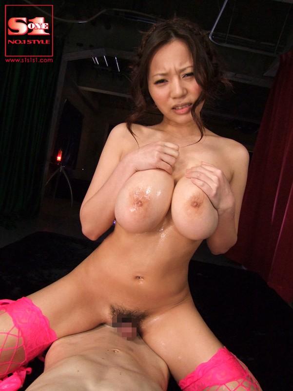 【おっぱい】Mカップの爆乳にそそられるAV女優西条るりのエロ画像!【30枚】 06