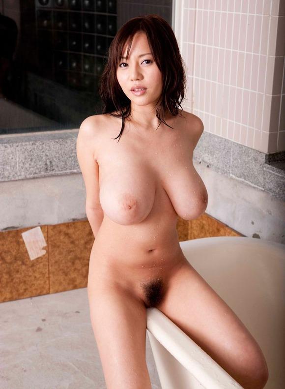 【おっぱい】Mカップの爆乳にそそられるAV女優西条るりのエロ画像!【30枚】 08