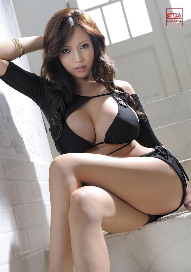 【おっぱい】Mカップの爆乳にそそられるAV女優西条るりのエロ画像!【30枚】 15