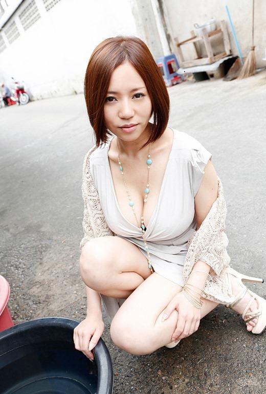 【おっぱい】Mカップの爆乳にそそられるAV女優西条るりのエロ画像!【30枚】 21