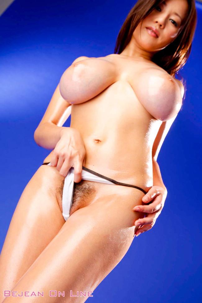 【おっぱい】Mカップの爆乳にそそられるAV女優西条るりのエロ画像!【30枚】 28