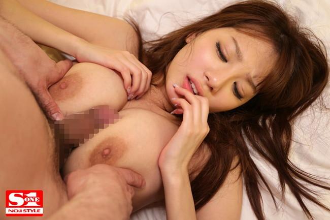 【おっぱい】Jカップの爆乳が素晴らしいAV女優宇都宮しをんのエロ画像!【30枚】 26