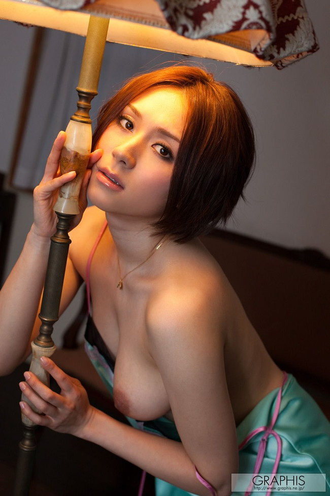【おっぱい】セクシーなフェロモンがムンムンな人妻さんのエロ画像!【30枚】 29