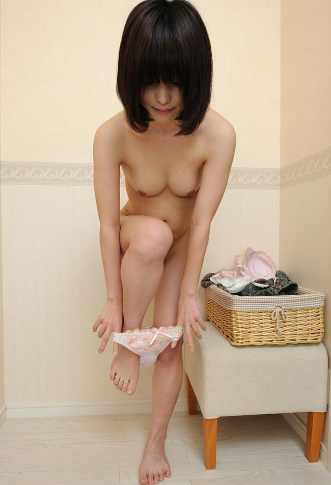 【おっぱい】しっとりとしたセクシーさを感じる黒髪美女のエロ画像!【30枚】 09