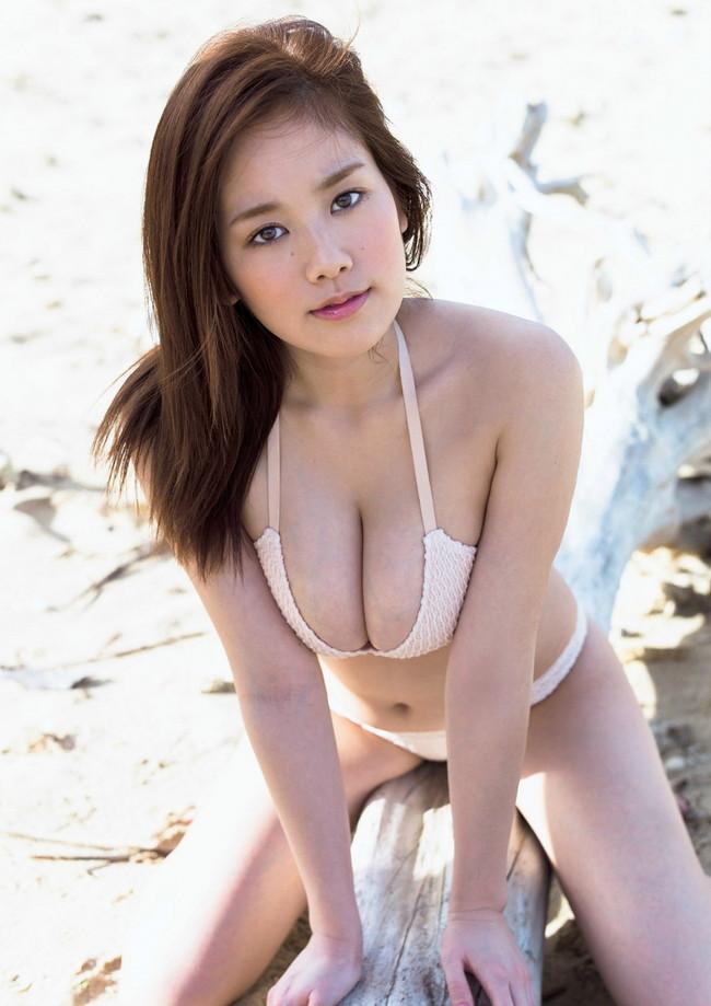 【おっぱい】Hカップの垂れ下がったおっぱいにそそられる筧美和子の微エロ画像【30枚】 09