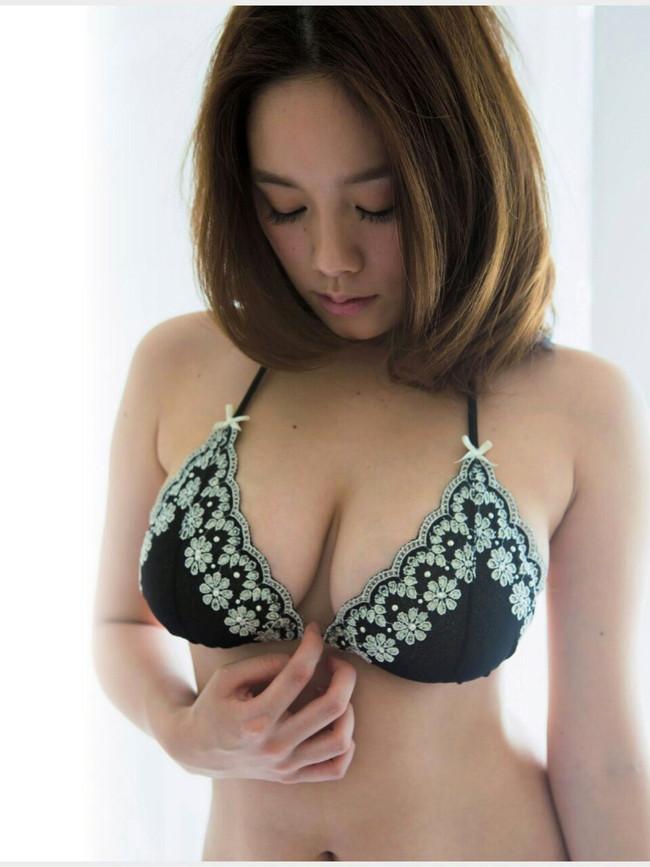 【おっぱい】Hカップの垂れ下がったおっぱいにそそられる筧美和子の微エロ画像【30枚】 19