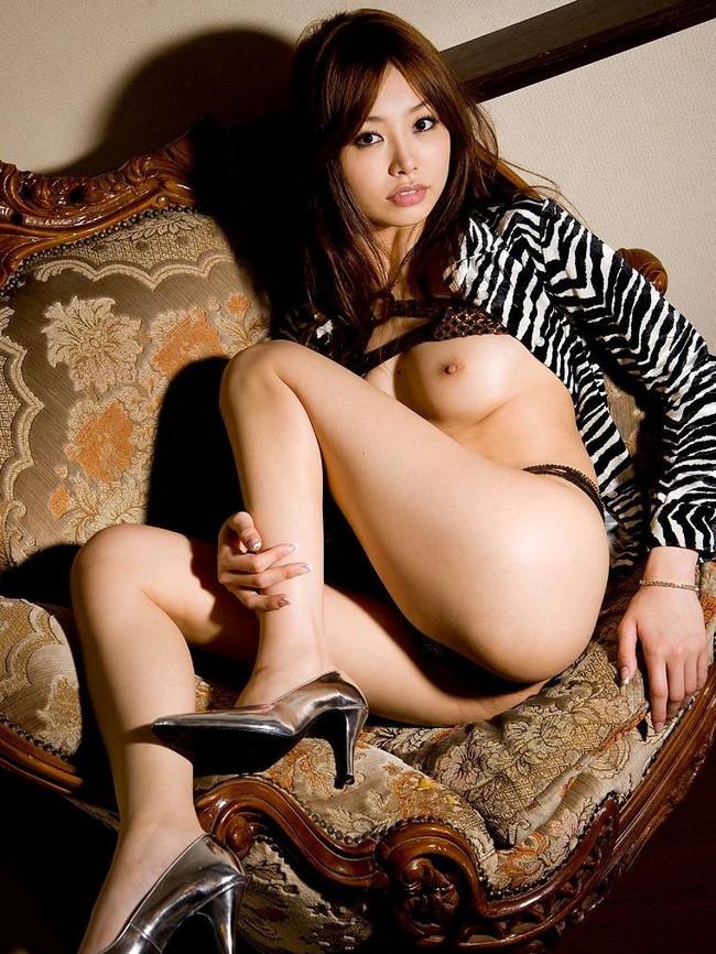 【おっぱい】ドスケベフェロモンがむんむんな黒下着を着用しているお姉さんのエロ画像【30枚】 20
