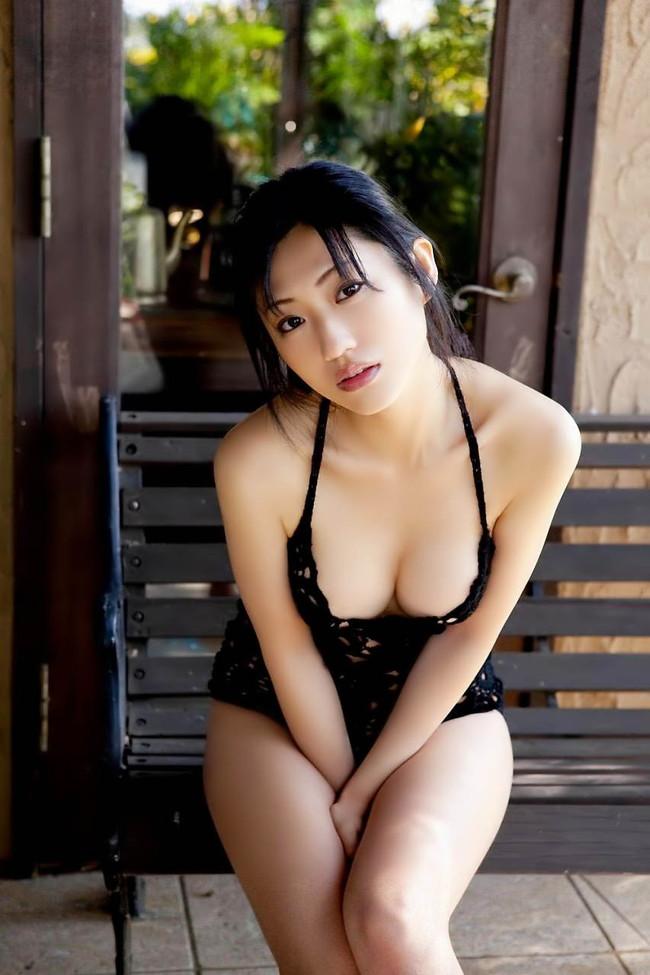 【おっぱい】ドスケベフェロモンがむんむんな黒下着を着用しているお姉さんのエロ画像【30枚】 26