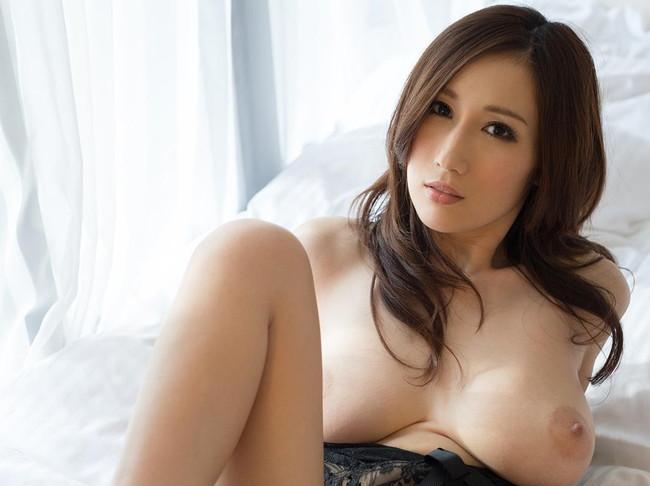 【おっぱい】ピンク色のデカ乳輪がセクシーなAV女優JULIAのエロ画像!【30枚】 30