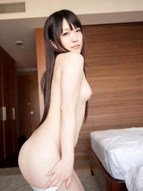 【おっぱい】衣類を脱ぎかけてこちらを誘惑してくるお姉さんのエロ画像!【30枚】 23