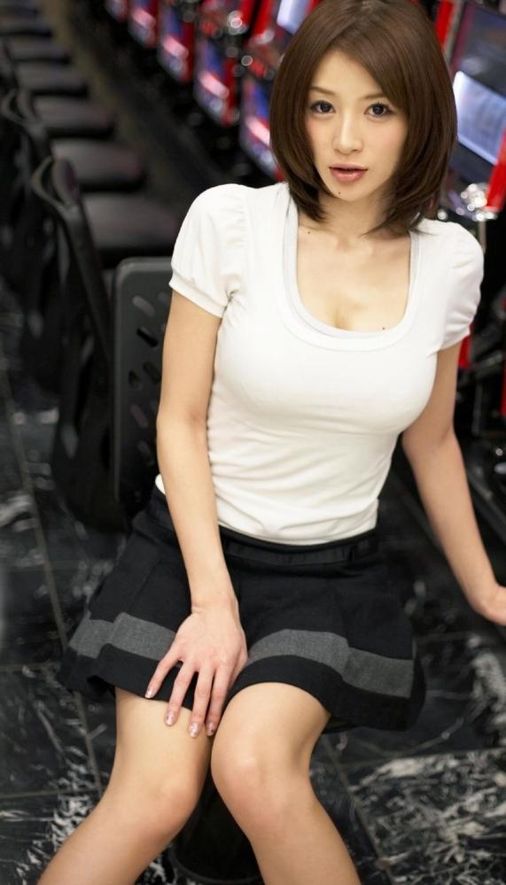 【おっぱい】スレンダーボディが魅力的なグラビアアイドル、手島優の微エロ画像!【30枚】 16