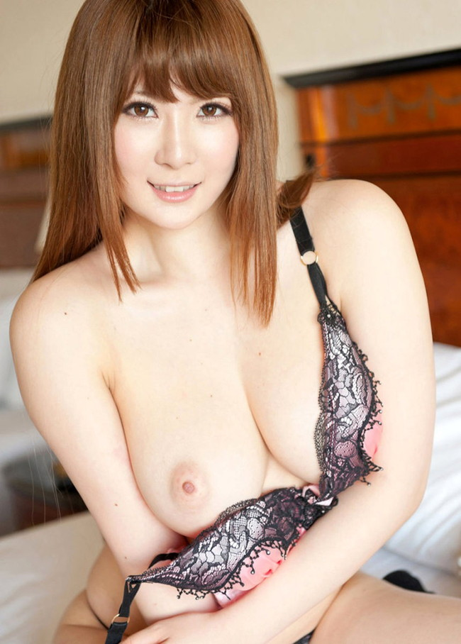 【おっぱい】Jカップの爆乳が素晴らしすぎるAV女優仁科百華のエロ画像!【30枚】 04