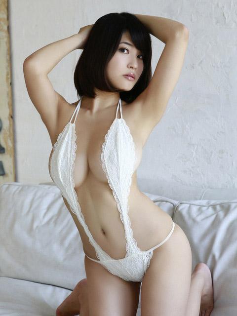 【おっぱい】横乳にそそられてしまうグラビアアイドル岸明日香のエロ画像!【30枚】 04