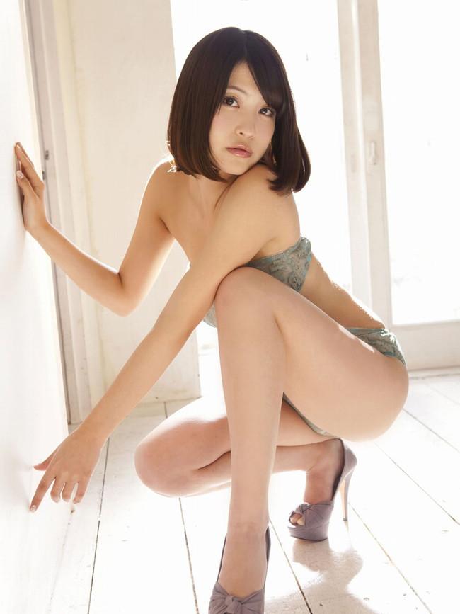 【おっぱい】横乳にそそられてしまうグラビアアイドル岸明日香のエロ画像!【30枚】 08