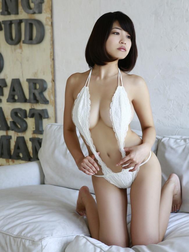 【おっぱい】横乳にそそられてしまうグラビアアイドル岸明日香のエロ画像!【30枚】 19