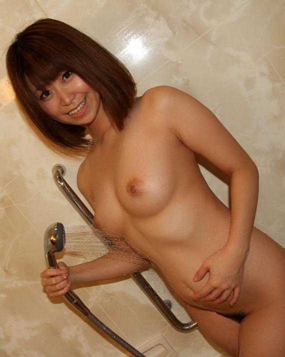 【おっぱい】シャワーを浴びている所がなんともイヤらしいお姉さんのエロ画像!【30枚】 08