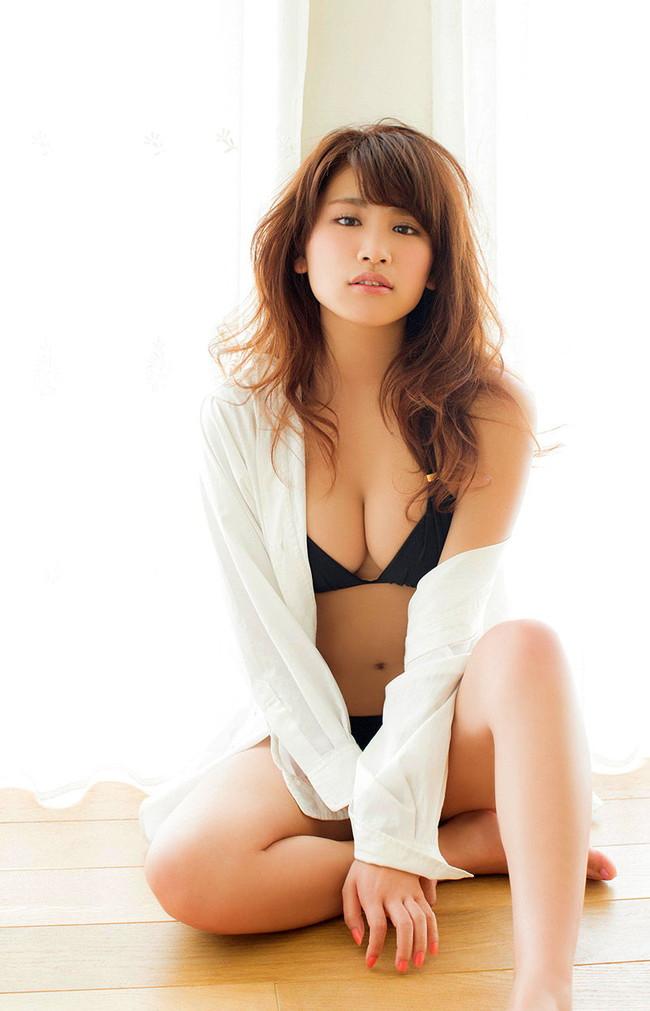 【おっぱい】人気急上昇!グラビアアイドル久松郁実の微エロ画像【30枚】 30