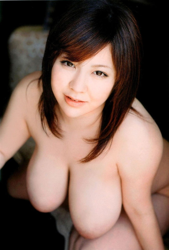 【おっぱい】とにかくおっぱいが大きいお姉さんのエロ画像!【30枚】 27