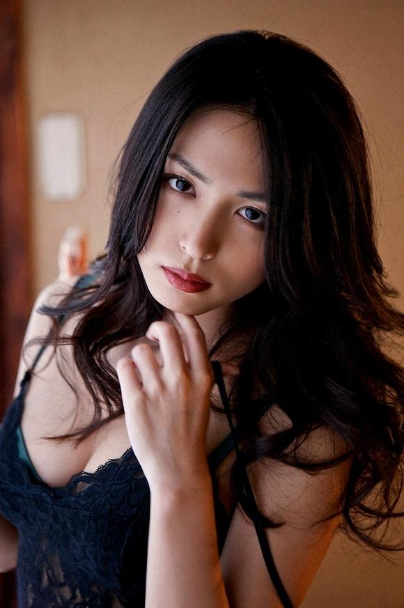 【おっぱい】脂が乗ってきたグラビアアイドル川村ゆきえのエロ画像!【30枚】 27