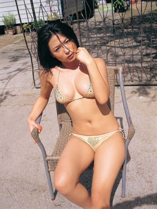 【おっぱい】脂が乗ってきたグラビアアイドル川村ゆきえのエロ画像!【30枚】 30