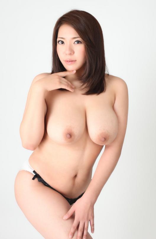 【おっぱい】重量級ボディが素晴らしいAV女優杏美月のエロ画像!【30枚】 22
