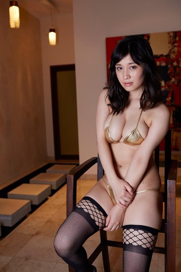 【おっぱい】天使のようなルックスと悪魔のようなボディが魅力的なグラビアアイドル橘花凛の微エロ画像!【30枚】 26