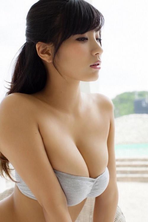 【おっぱい】Hカップの巨乳がたまらないグラビアアイドル葉月あやの微エロ画像【30枚】 09
